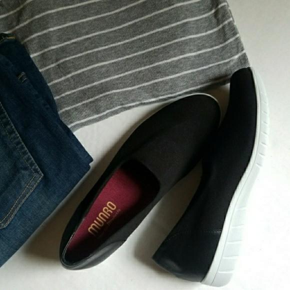 c37aa1c938b NWOT Munro Canvas Sneakers. M 5b63c9daaaa5b85e70b1a293